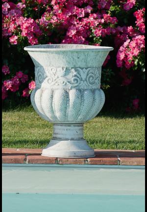 Vaso grande provenzale con decori in rilievo